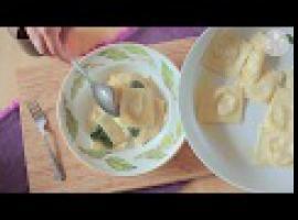 Ravioli z gruszką i gorgonzolą - Allrecipes.pl