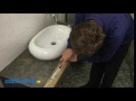 Jak zamontować listwę LED w łazience