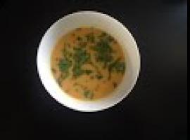 Jak zrobić kremową zupę z pieczonych słodkich ziemniaczków