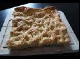 Przepis na włoskie pieczywo focaccia