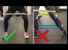 Jak ćwiczyć z gumami - prawidłowe chodzenie z mini bands