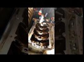 Jak złożyć silnik vol.2 - montaż panewek wału