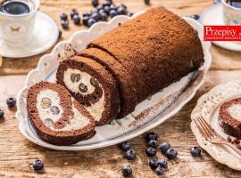 Jak zrobić roladę czekoladową z kremem i borówkami