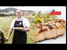Jak zrobić pyszny obiad - grillowany łosoś z ogórkami