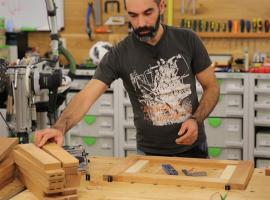 Jak wykonać ozdobny stojak na drewno opałowe