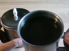Jak wykonać lampę na olej z kubka