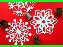 Jak zrobić dekorację świąteczną - śnieżynka z papieru