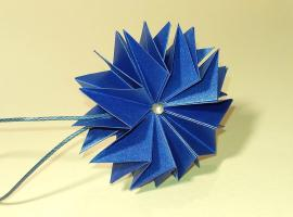 Jak wykonać gwiazdkę origami - nie tylko na choinkę