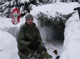 Jak zbudować okop śnieżny - zimowy survival