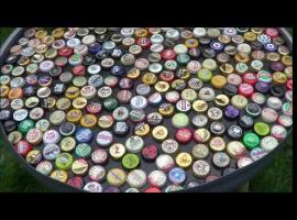 Jak wykonać blat stolika z kapsli po piwie