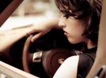 Jak poderwać dziewczynę na samochód