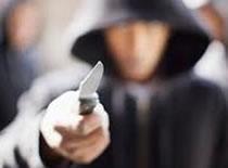 Jak prawidłowo zachować się przy ataku nożem